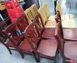 大量出售椅子