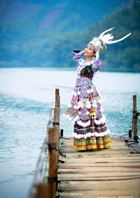 「苗韵无声」----爱琴海婚纱写真作品