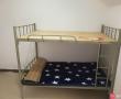 新买铁架床、真皮沙发、桌子急售!