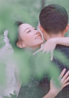 E世情缘婚纱  宾客片分享 (梁先生 从严美女)